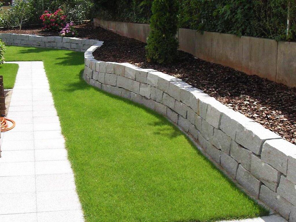 gartenterrasse mit gartenteich. nett berdachte terrassen ideen, Gartenarbeit ideen